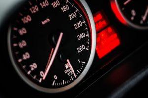 Установить скорость авто